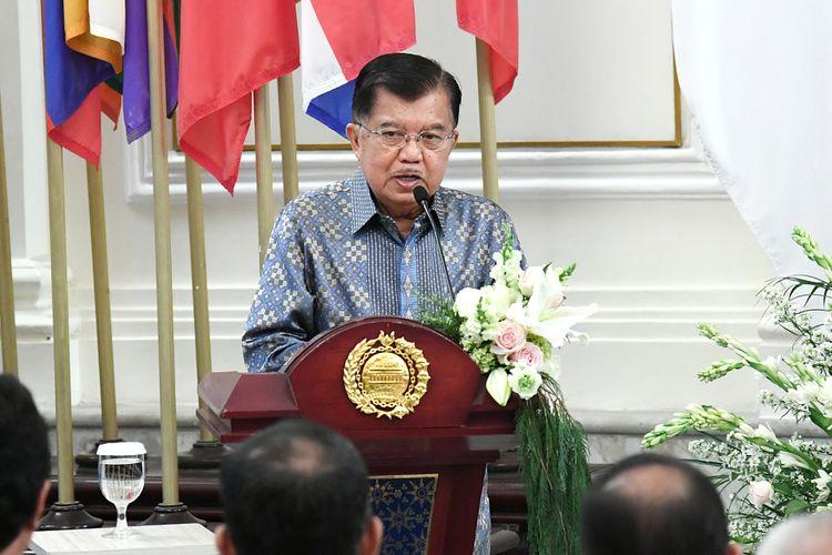 Wakil Presiden Jusuf Kalla memberikan pidato saat acara peresmian Lembaga Dana Kerja Sama Pembangunan Internasional (LDKPI) atau Indonesian Agency for International Development (Indonesian AID) pada 18 Oktober 2019 di Gedung Pancasila, Kementerian Luar Negeri.