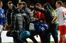 Bek Everton Sukses Jalani Operasi Kaki