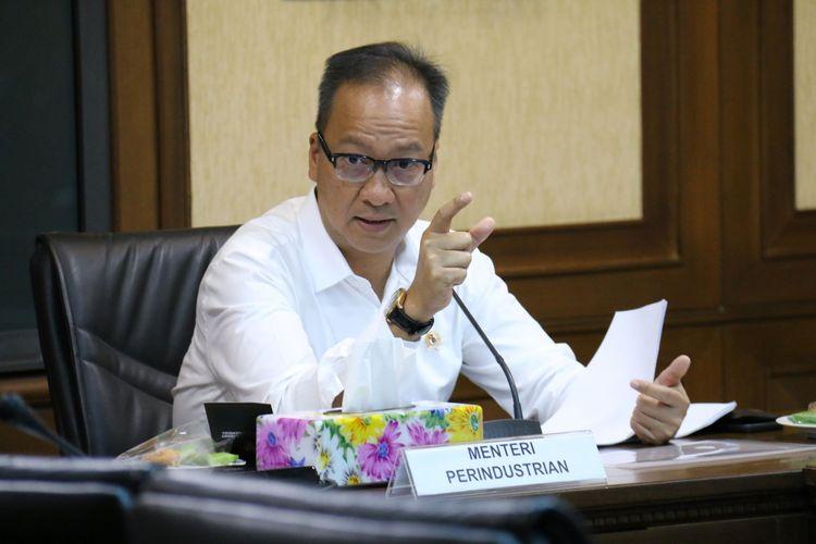 Menteri Perindustrian Agus Gumiwang Kartasasmita memimpin rapat koordinasi di Kantor Kementerian Perindustrian, Jakarta, Senin (30/12/2019).