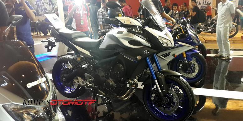 Yamaha MT-09 Tracer dibanderol Rp 325 juta on the road Jakarta.