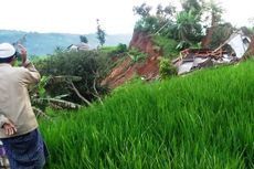 Pergerakan Tanah Lanjutan di Batulawang Cianjur, Satu Rumah Ambruk