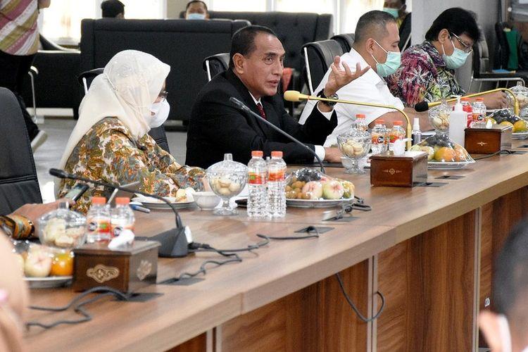 Gubernur Sumut Edy Rahmayadi memimpin rapat evaluasi OPD di lingkungan Pemprov Sumut di Aula Tengku Rizal Nurdin, Jumat (29/1/2021)