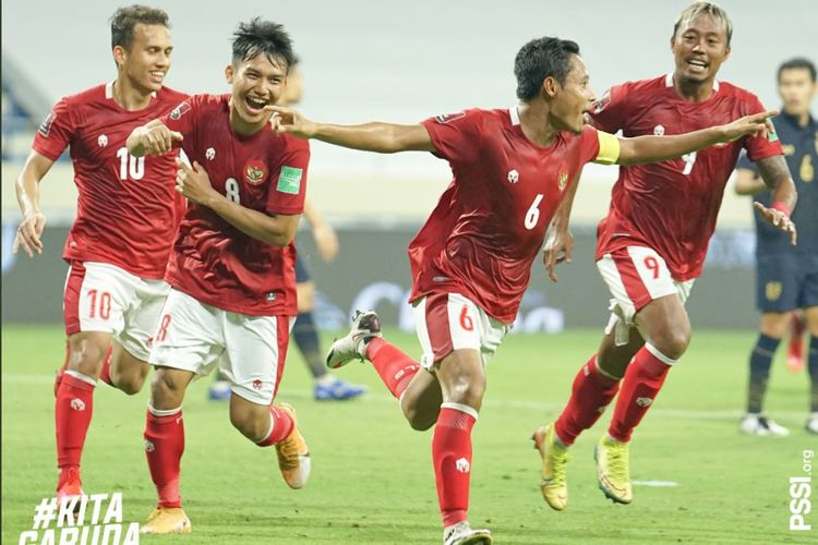 Gelandang timnas Indonesia Evan Dimas merayakan gol ke gawang Thailand pada laga Kualifikasi Piala Dunia 2022 Zona Asia di Dubai, UEA, pada Kamis (3/6/2021) malam WIB.