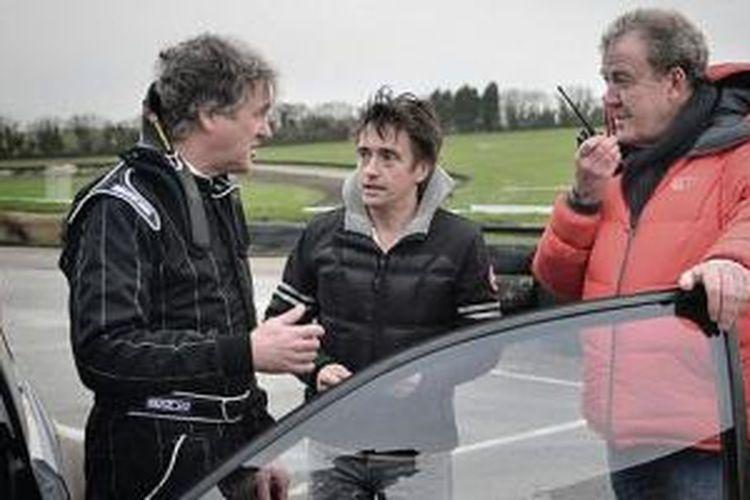 Jeremy Clarkson bersama dua rekannya James May dan Richard Hammond