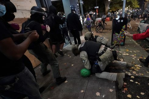 Kerusuhan Pilpres AS, Polisi dan Garda Nasional Bentrok dengan Massa Anti-Trump