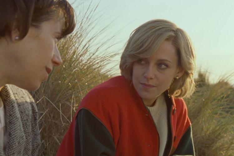 Kristen Stewart saat berperan sebagai Putri Diana di film drama Spencer.