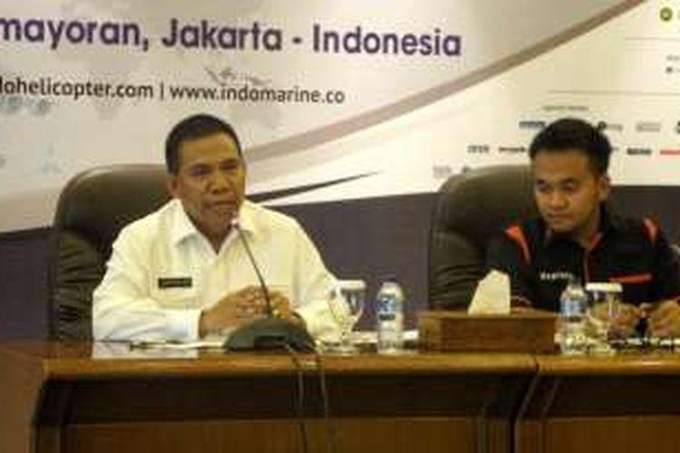 Direktur Teknologi dan Industri Pertahanan Kementerian Pertahanan Brigjen Jan Pieter Ate saat konferensi pers terkaitIndo Defence 2016 expo & forum, di gedung Kemhan, Jakarta Pusat, Rabu (26/10/2016).