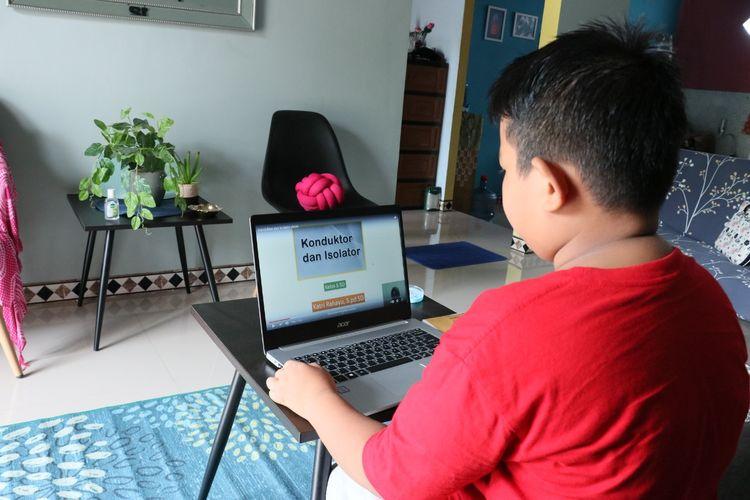Pada pembelajaran tatap muka terbatas atau belajar dari rumah, siswa SDN 131/IV Kota Jambi difasilitasi untuk belajar aktif dan lebih banyak berpraktik.