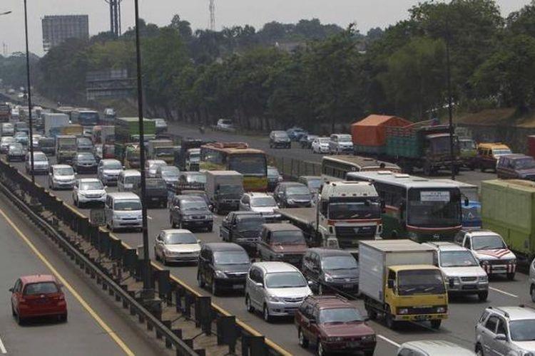 ILUSTRASI kemacetan di tol JORR