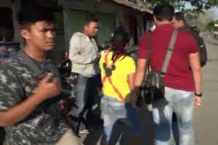 Polisi menyamar jadi pemebli 3 jaringan pengedar ditangkap, polisi sempat terlibat kejar - kejaran dengan pelaku