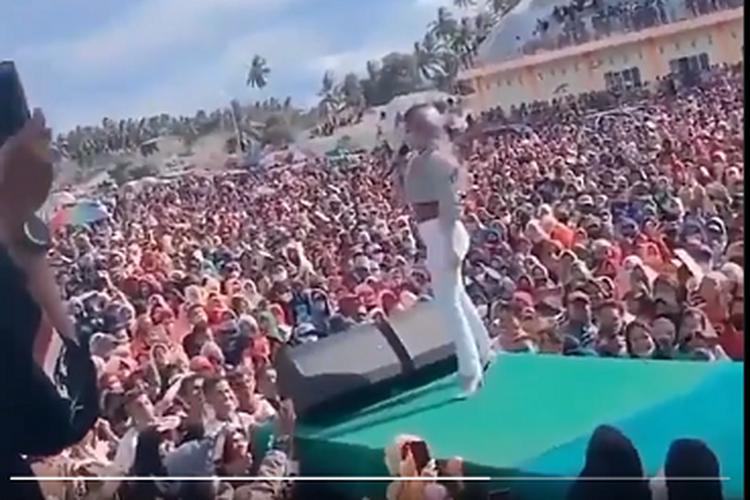 Video konser deklarasi calon Bupati dan Wakil Bupati Pohuwato Saiful A Mbuinga-Suharsi Igirisa (SMS)