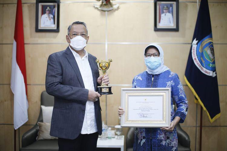 Pemerintah Kota (Pemkot) Tangerang Selatan (Tangsel) menerima penghargaan Anugerah Parahita Ekapraya  yang diserahkan secara simbolis oleh Kementerian PPPA, Kamis (23/9/2021).