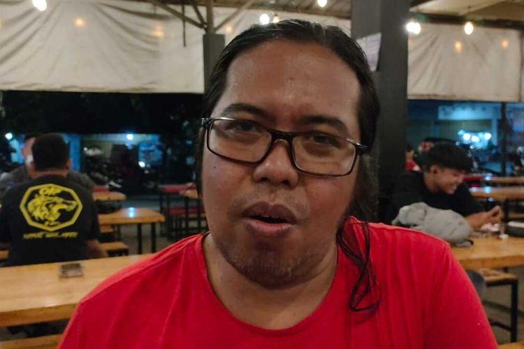 Ketua Paguyuban Warkop Surabaya Husin Ghozali
