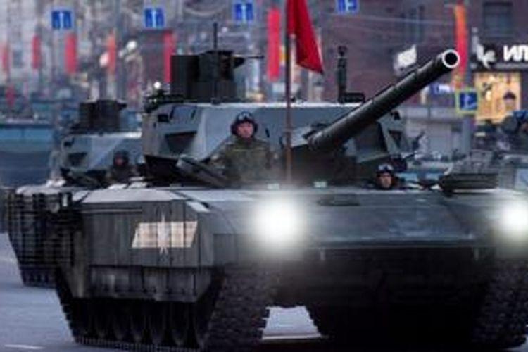 Dalam parade tersebut, Rusia akan memamerkan tank T-14 Armata yang memiliki meriam dengan pengendali jarak jauh.