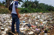 Sudah 3 Hari Menumpuk, Sampah di Kali Jambe Bekasi Belum Dibersihkan
