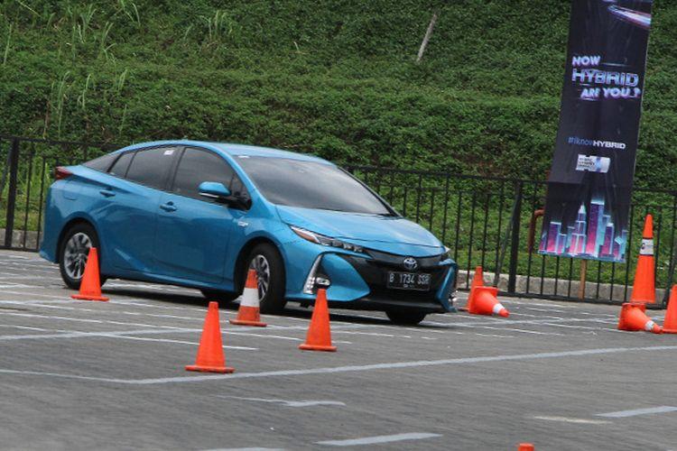 Toyota Prius PHEV GIIAS 2019
