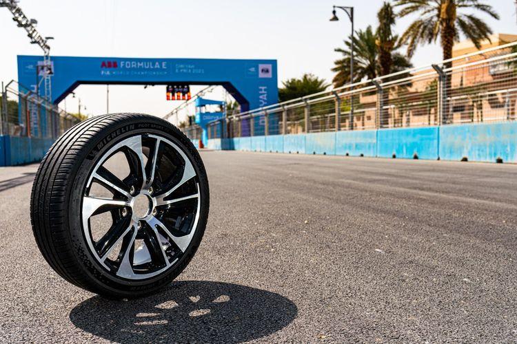 Michelin melansir ban baru Michelin Pilot Sport EV.