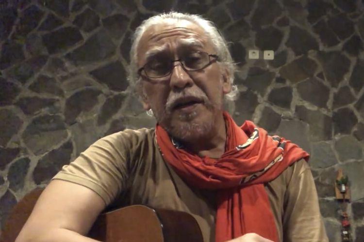 Penyanyi legendaris Iwan Fals berbicara tentang tentang kondisi bangsa Indonesia dalam konten berjudul Ngalor Ngidulnya Iwan Fals.