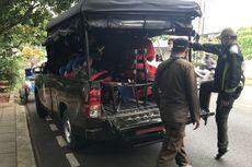 Razia PMKS di Pondok Indah, Badut Tolak Dibawa Satpol PP, Pengamen Lari