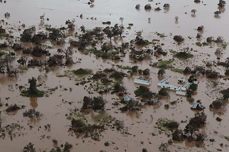 Foto udara menunjukkan kerusakan yang ditimbulkan Topan Idai di kota Beira, Mozambik. Presiden Filipe Nyusi mengkhawatirkan jumlah korban tewas dapat mencapai lebih dari 1.000 orang.