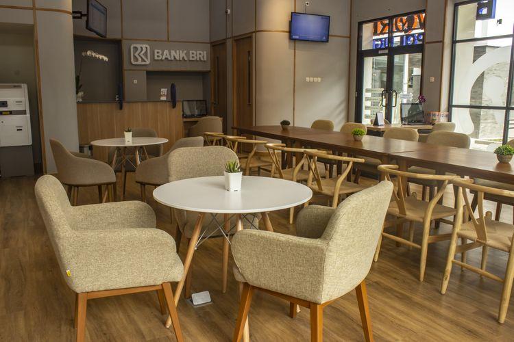 Coworking space BRIWORK merupakan hasil kolaborasi antara Fabelio, melalui Fabelio Projects, dan Bank Rakyat Indonesia (BRI).
