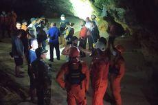 Cerita 13 Mahasiswa Terjebak Air Pasang Laut Saat Bermain di Karang, 4 Jam Berlindung di Goa