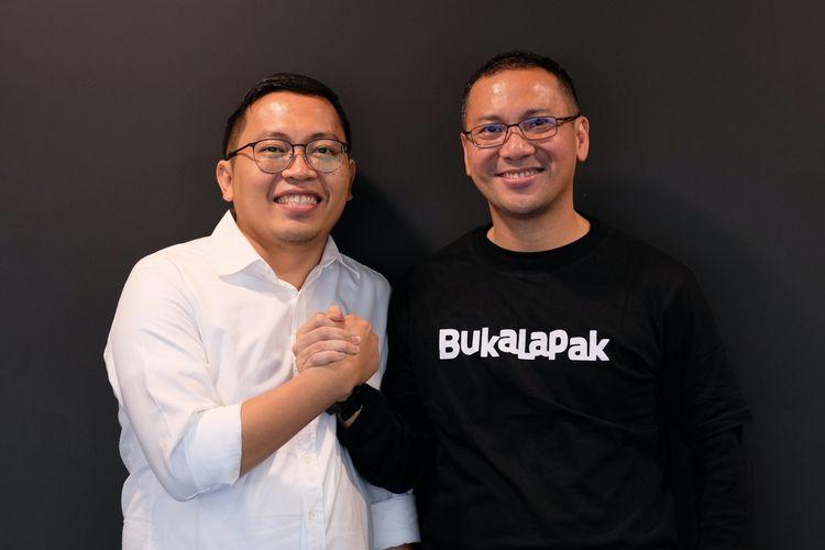 Achmad Zaky (Co-founder Bukalapak) dengan CEO Bukalapak yang baru, Rachmat Kaimuddin.