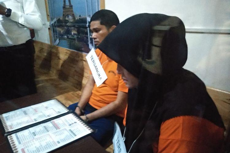 Rekonstruksi pembunuhan hakim PN Medan, Jamaludin dilakukan di Kafe Town, di Jalan Gagak Hitam, Ringroad Medan, pada Senin (13/1/2020). Tampak Jeffry dan Zuraida  duduk bersebelahan. Di hadapannya (tak terlihat) duduk Reza Fahlevi bertemu bertiga untuk merencanakan pembunuhan. Terungkap Zuraida menjanjikan Rp 100 juta untuk biaya umroh setelah pembunuhan.