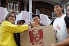 Pebalap Sean Gelael Bantu Korban Banjir Jakarta