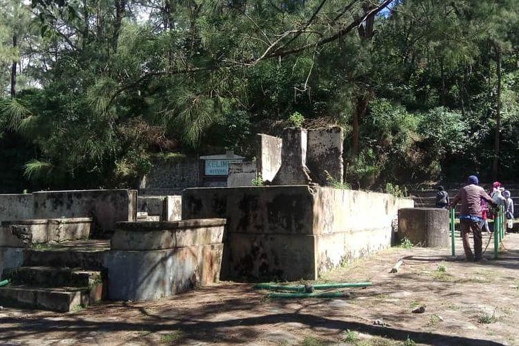 Foto : Tempat pesanggrahan Belanda yang berada di area parkir menuju Taman Nasional Kelimutu sudah mulai ditata pihak pengelola.