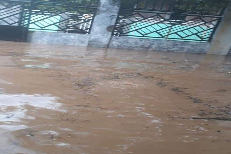 Kondisi permukiman dan rumah warga di Kota Bima yang digenangi banjir bandang pada Sabtu (20/03/2021) sore.