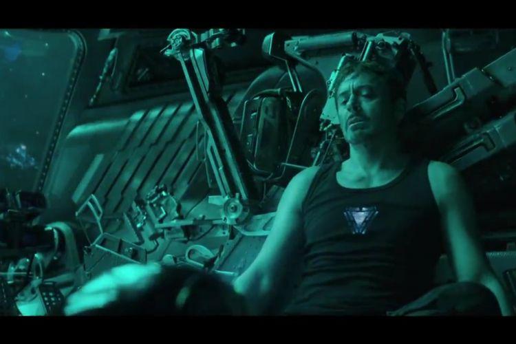Adegan Tony Stark di dalam pesawat ruang angkasa milik Nebula seperti yang ditampilkan trailer Avengers: Endgame.
