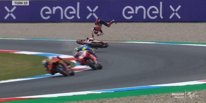 Marc Marquez mengalami highside saat sesi latihan bebas FP2 pada MotoGP Belanda 2021
