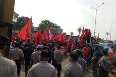 Datangi Polres Tangsel, Massa PDI-P: Pembakar Bendera Menginjak Harga Diri Partai