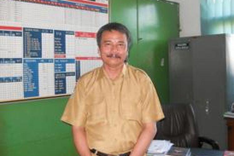 Kudi Rukadi, Kepala SD Negeri Cijawura, Bandung, Jawa Barat. Kudi mengatakan, Kurikulum 2013 sangat bagus karena yang diuji adalah sikap, sementara penilaian pada kurikulum sebelumnya adalah standar kompetensi.