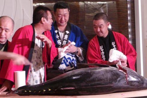 Pemotongan Ikan Tuna 75 Kg Warnai Pembukaan Jak-Japan Matsuri 2013