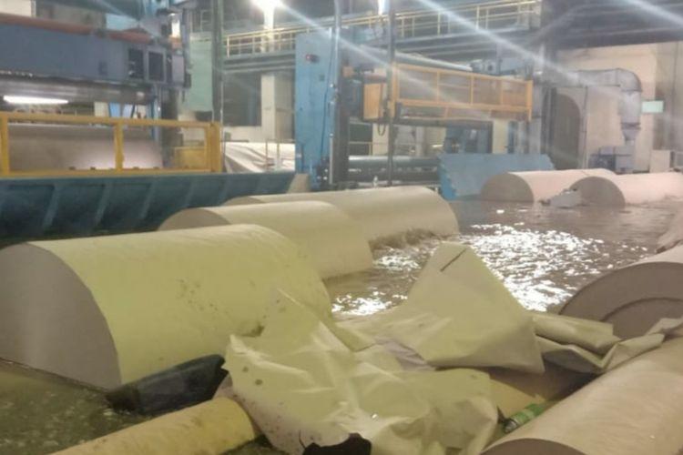 Kondisi pabrik PT Pindo Deli Pulp and Paper Mills III di Desa Tamanmekar, Kecamatan Pangkalan, Kabupaten Karawang, Senin (14/2/2020).