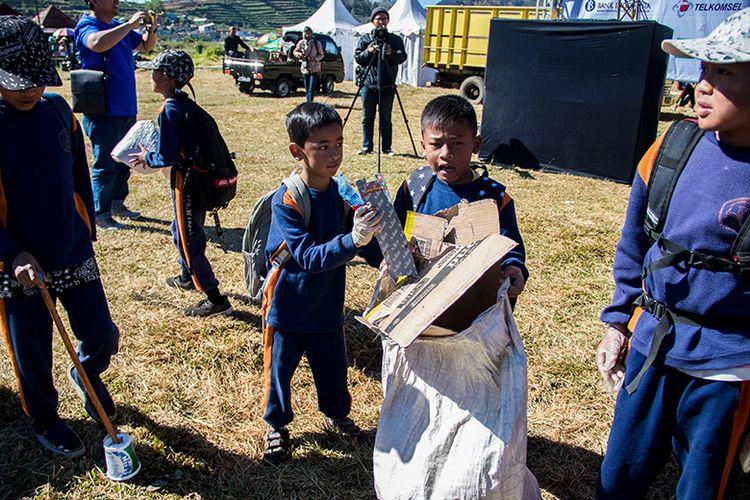Anak-anak yang Antusias Mengikuti Aksi Bersih Dieng.