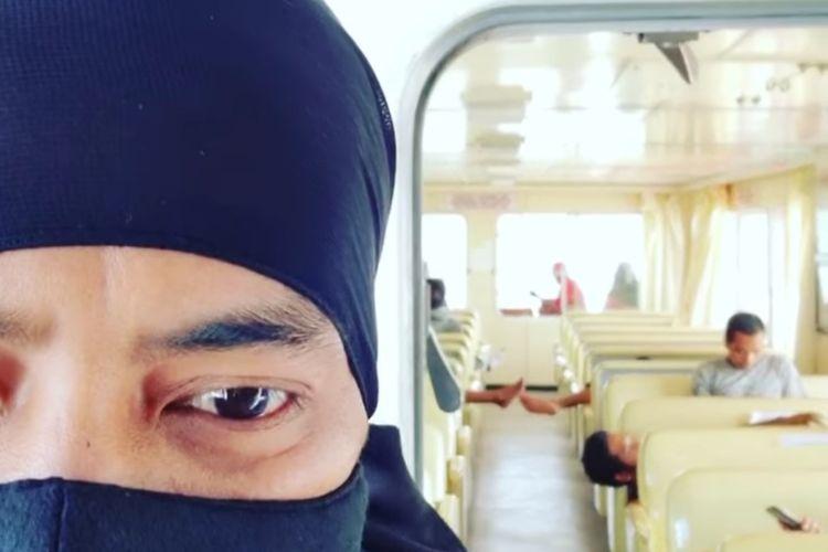 Tangkapan layar rekaman video Bupati PPU Abdul Gafur Masud saat menemui banyak dan petugas tak bermasker di salah satu feri penyebrangan PPU ke Balikpapan, Kaltim, Rabu (16/9/2020).