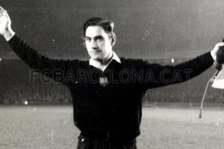 Kiper legendaris Barcelona dan timnas Spanyol, Antoni Ramellets.