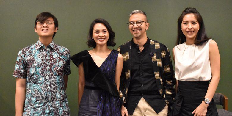 Dari kiri ke kanan: Atta dari Greenpeace, Andien Aisyah, desainer Didiet Maulana, dan Sabrina Joseph, co-founder Huntstreet.