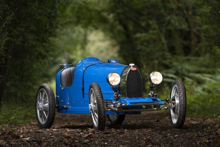Mobil listrik untuk anak-anak yang diproduksi oleh Bugatti dan The Little Car Company.