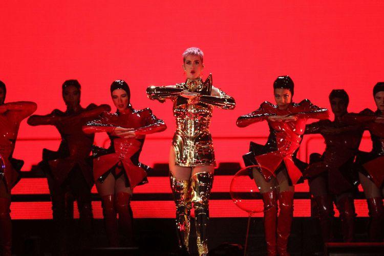 Konser Katy Perry  diadakan di Indonesia Convention Exhibition (ICE) BSD, Tangerang, Banten, Sabtu (14/4/2018). Untuk kali ketiga Katy Perry menyapa para penggemarnya di Indonesia. Kali ini konsernya bertajuk Witness: The Tour.