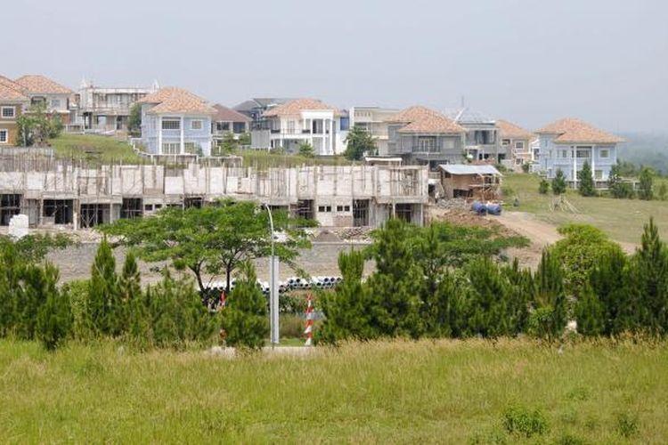 Saat ini harga lahan di kawasan perumahan Sentul City berkisar Rp7 juta hingga Rp13 juta per meter persegi. Sementara untuk lahan komersial menyentuh angka Rp15 juta hingga Rp20 juta per meter persegi. Sedangkan harga properti Sentul City terendah Rp900 juta dan tertinggi Rp20 miliar.