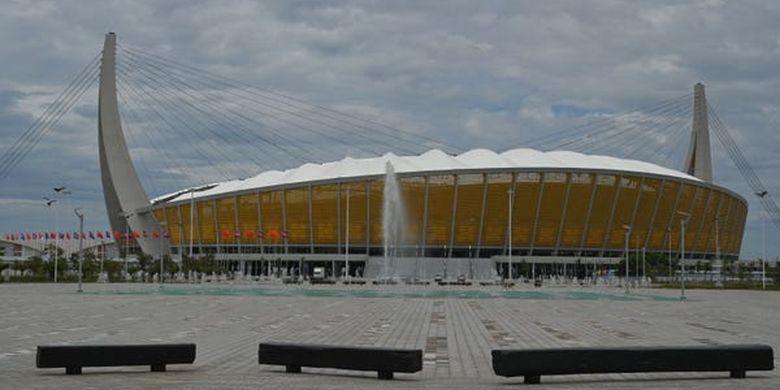 The Morodok Techno National Stadium, Kamboja yang merupakan hasil pembiayaan dan pembangunan dari China