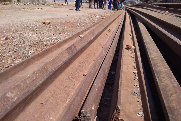 Jalur kereta api Cibatu-Garut sepanjang 19,5 meter tengah direaktivasi. Pembongkaran bangunan di jalur itu telah selesai dan rencananya jalur tersebut sudah bisa dioperasikan pada awal 2020.