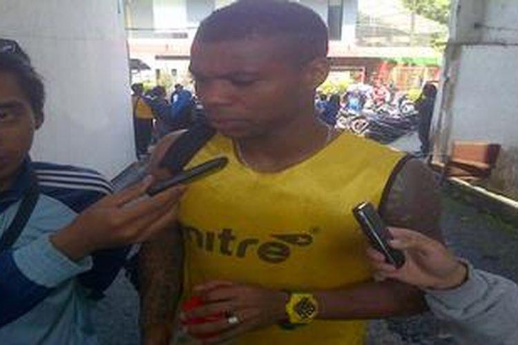 Hilton Moreira ketika berkostum Persib Bandung. Dia juga pernah membela Sriwijaya FC.