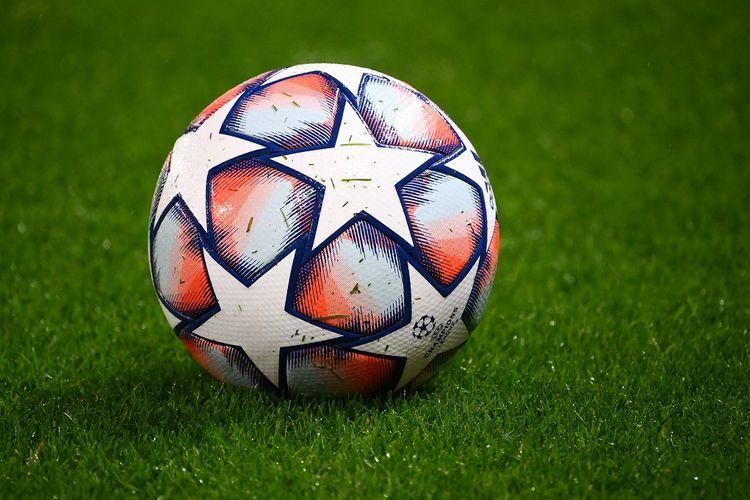 Bola Liga Champions.
