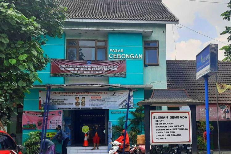 Pintu depan Pasar Cebongan, Kecamatan Mlati, Kabupaten Sleman