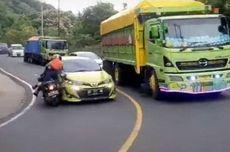 Video Viral Toyota Yaris Tabrak Motor Saat Menyalip di Tikungan, Ini Penjelasan Polisi